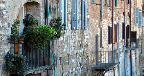 So many reasons to visit Italy - a lush balcony in ancient Perugia